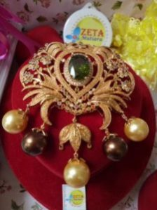 Carved Brooch with Five Lombokness Shell Pearls