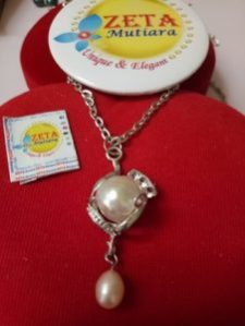 Kalung Liontin Stainless Baroque