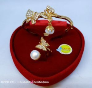Seat Pearl Bracelet and Ring