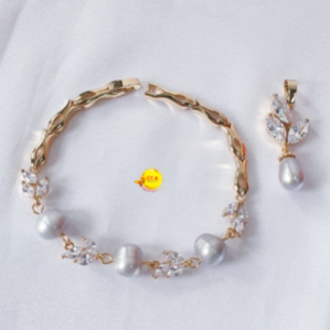 Pearl Bracelet and Pendant